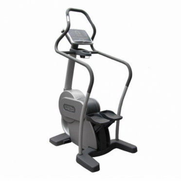 Technogym stepper Step Excite 700 LCD + TV Gebruikt