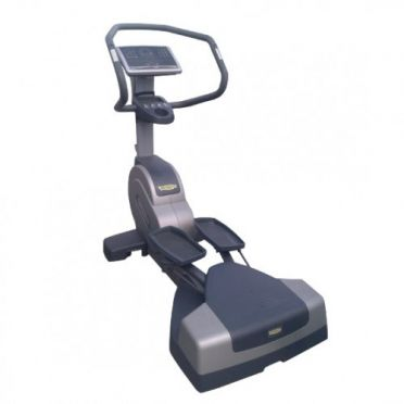 TechnoGym lateral trainer Wave Excite+ 700i classic zilver met LCD TV gebruikt