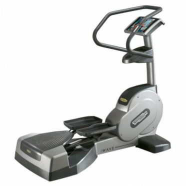TechnoGym lateral trainer Wave Excite 700i.e classic zilver met LCD TV gebruikt