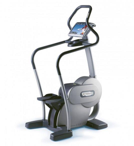 TechnoGym stepper Step Excite 700i.e classic zilver met LCD TV gebruikt  BBTGSTE700IeCLCDTV